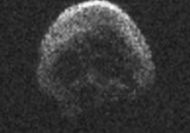 Астероид 2015 TB-145, при определенном освещении напоминающий человеческий череп, в наступающем году во второй раз с момента обнаружения приблизится к нашей планете