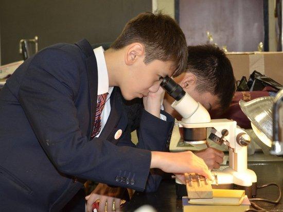 Как школьники Казахстана создают отечественную науку будущего