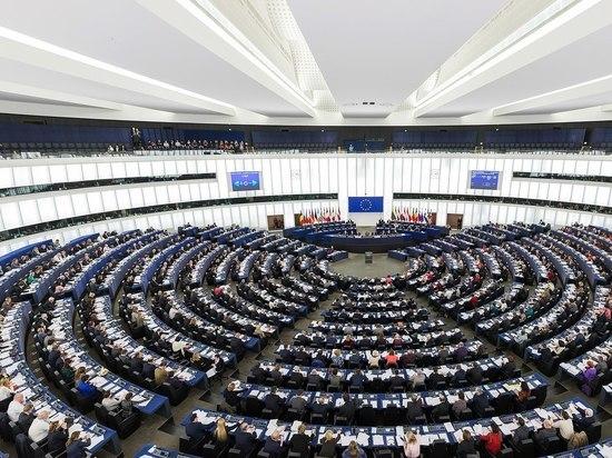 По мнению эксперта, Петр Порошенко и его окружение боятся независимого антикоррупционного суда