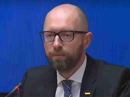 Визит Яценюка в Швейцарию объяснили