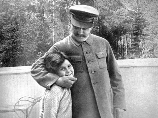 Исповедь дочери Сталина: найдены подлинные мемуары Светланы Аллилуевой
