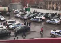"""Бывший владелец """"Меньшевика"""" Илья Аверьянов убил охранника фабрики и ранил еще двух человек. Свои действия он объяснил тем, что прокуроры отняли у него бизнес."""