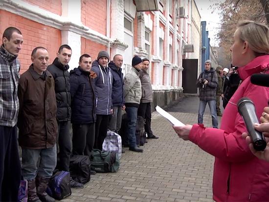 Обмен военнопленными в Донбассе: впервые в списки вошли медийные лица