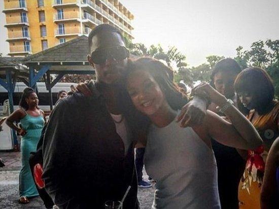 На Барбадосе застрелили брата певицы Рианны