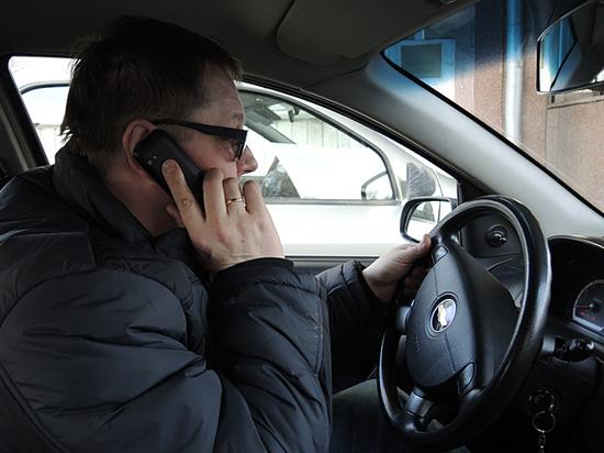 Чего ни в коем случае нельзя дарить водителю на Новый год