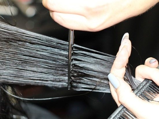 Уфимка обокрала салон красоты, поживившись волосами