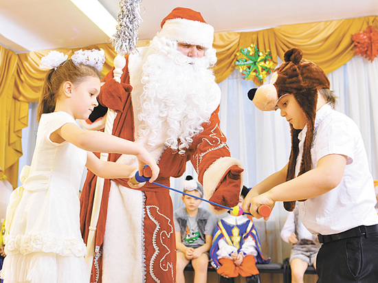 Живой Дед Мороз за 250 000 рублей вызвал шок