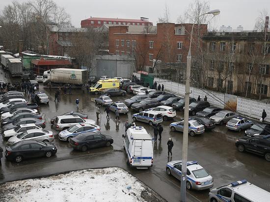 «Были похожи на бандитов»: сестра директора фабрики «Меньшевик» объяснила стрельбу