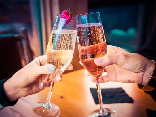 Не желайте «счастливого Нового года»: главные ошибки в поздравлениях