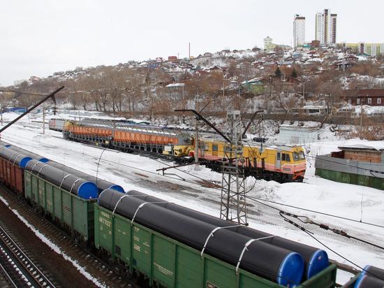 В Башкирии жителей поселка Русский Юрмаш блокируют товарные поезда