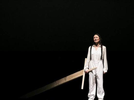 Худрук театра имени Ленсовета превратил Гамлета в женщину