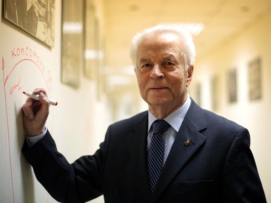 Лидеру Комсомола Евгению Тяжельникову исполнилось 90 лет