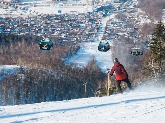 Островной горнолыжный курорт уже посетили около 12 тысяч человек