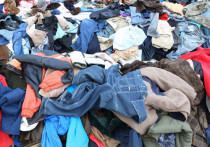 Пуховики и одеяла запретят выбрасывать на свалку — постановление правительства