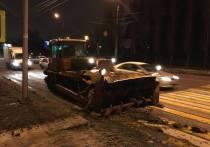 Особенности национальной снегоуборки: для чего по бесснежным воронежским улицам ездят трактора