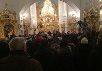 Тысячи омских верующих встретили Рождество Христово четырехчасовой службой