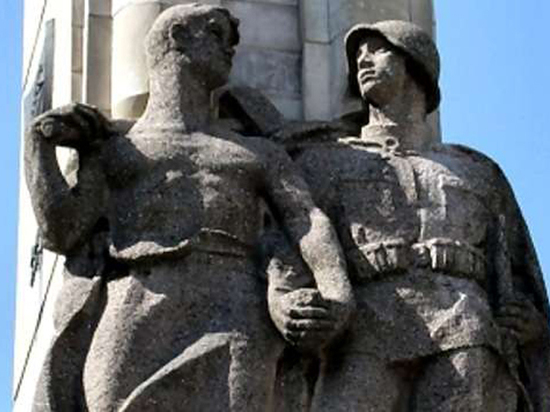 В Польше памятник советским воинам пустят на металлолом
