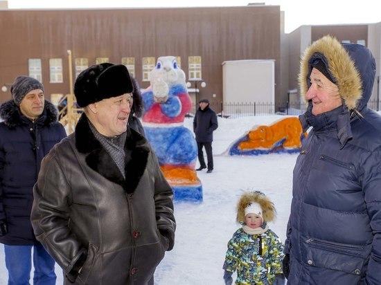 На каникулах мэр проконтролировал уборку улиц Новосибирска