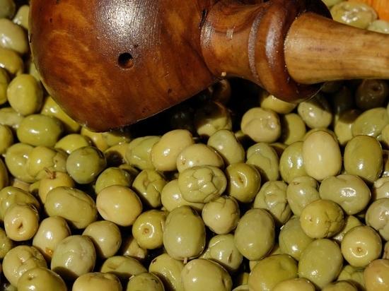 Специалисты назвали самый правильный диаметр оливок
