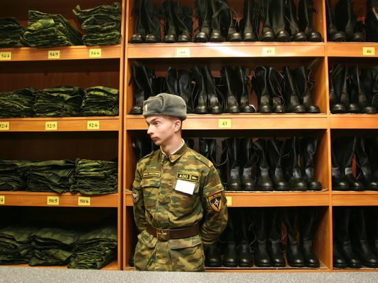 В Госдуме решили заставить призывников являться в военкоматы без повестки
