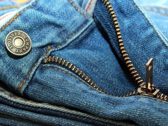 Биохимики научили генномодифицированные бактерии красить джинсы