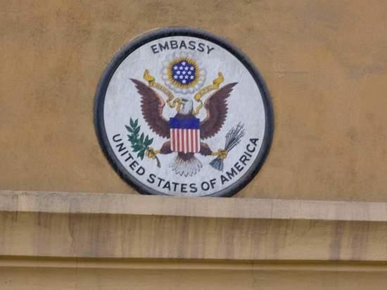 Консульство США в Москве переехало и может увеличить пропускную способность
