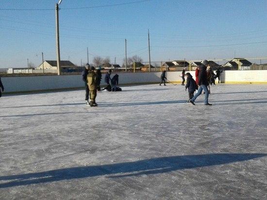 Первый в Калмыкии каток открылся в Малодербетовском районе