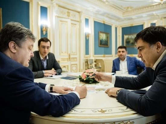 Саакашвили отказался верить в то, что Порошенко «присягнул» России