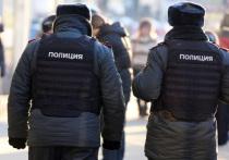 В челябинском городе Куса разгорелся скандал вокруг действий полицейского, поставившего на колени ребенка якобы из-за попытки разрушения им ледовой горки
