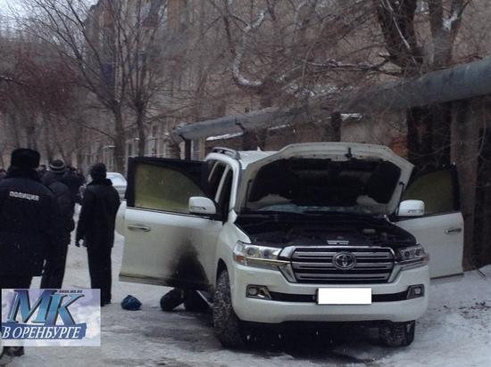 В Оренбурге следователи выясняют обстоятельства возгорания автомобиля и гибели людей