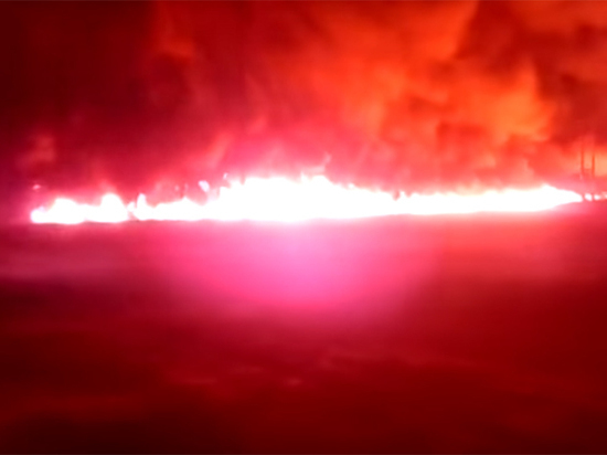 Масштабное возгорание нефтепродуктов под Саратовом: ждем роста цен на бензин