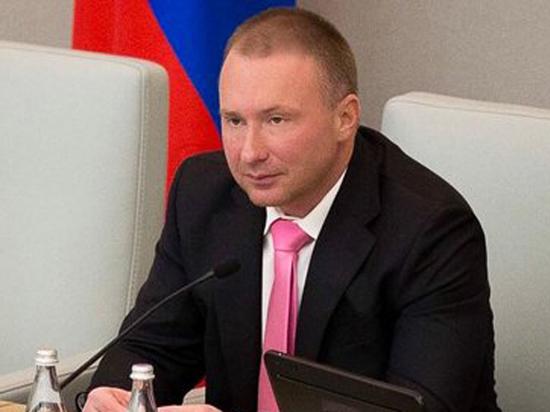 Сына Жириновского обвинили в «списывании хрени» в диссертации