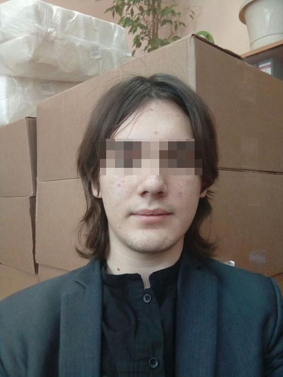 Паника в московской школе: подросток зашел в здание с ножами
