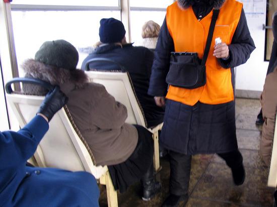 Истекающую кровью девочку высадили из автобуса, чтобы не испачкала сиденья