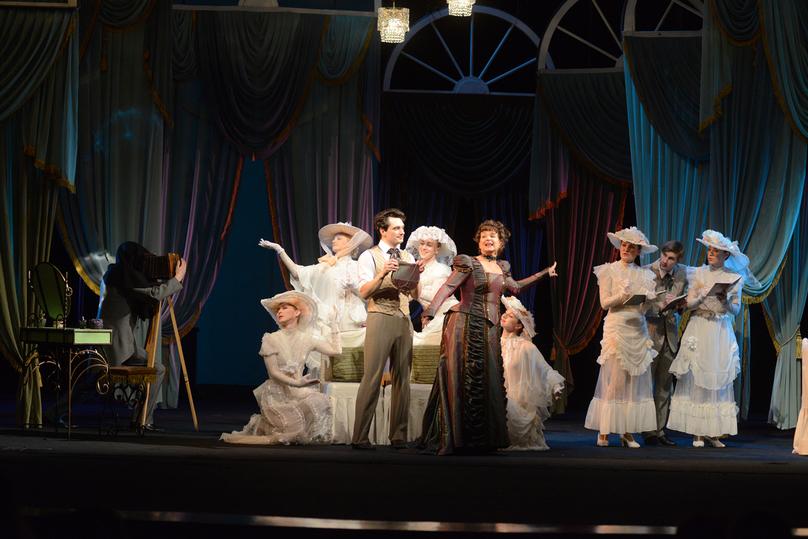 Порно на сцене в оперном театре