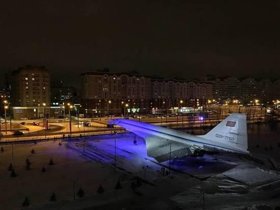 Да будет свет! Казанский Ту-144 заиграл новыми красками