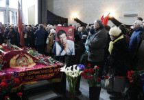 Последний митинг народного трибуна: Москва простилась с Анпиловым