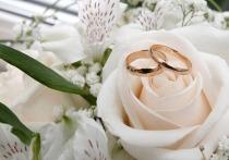 Законопроект сенатора Антона Белякова о признании гражданских браков официальными вызвал бурную дискуссию у членов парламента