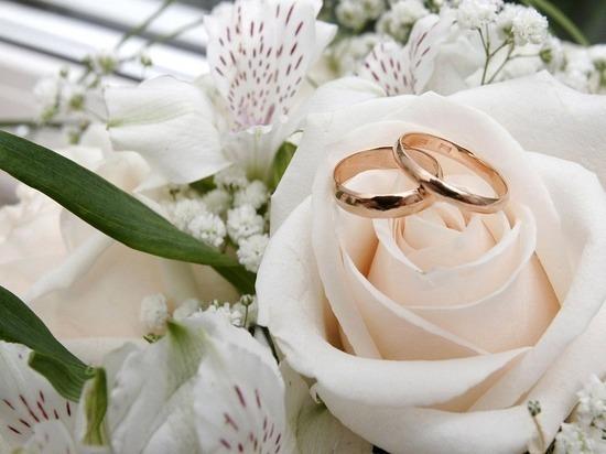 Традиционные ценности против гражданских браков: сенатор Беляков расколол парламент