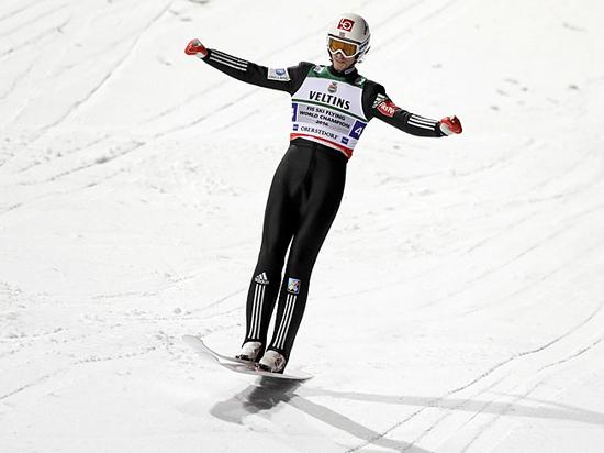 В Чемпионат мира по прыжкам с трамплина вмешался ветер
