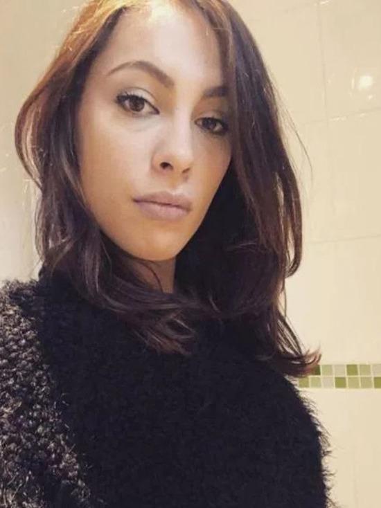 Французская порнозвезда Никита пристыдила современных родителей: домогаются даже 12-летние