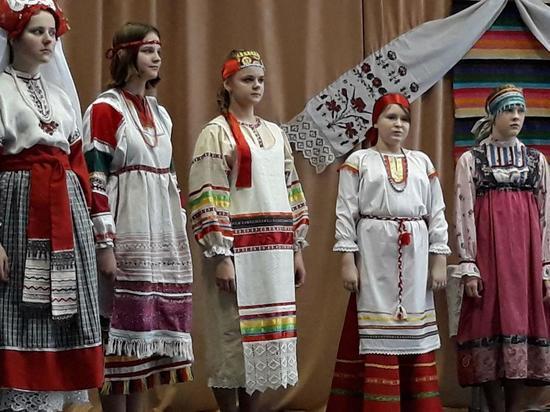 Калужские традиции: русские народные костюмы ХIХ - ХХ веков представили в Калуге