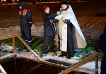 Отметить праздник Крещения Господня пожелали многие православные верующие Серпухова