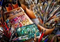 В Мосгордуме провели круглый стол, где обсудили внесудебное выселение художников из мастерских и хищение их имущества. Зал разрывался от возмущений представителей творческих профессий. В разразившемся скандале разбирается корреспондент «МК».
