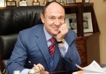 Депутат Заксобрания, благотворитель и с недавних пор писатель Валерий Савельев празднует день рождения