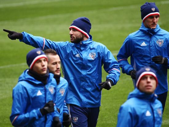 Защитника «Спартака» и сборной России поддерживают многие футболисты