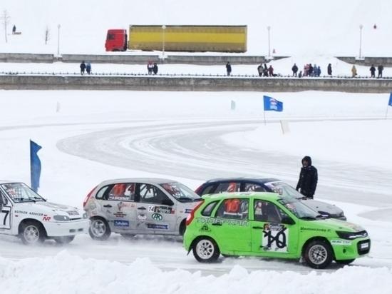В Чебоксарах прошел стартовый этап Кубка России по ледовым автогонкам