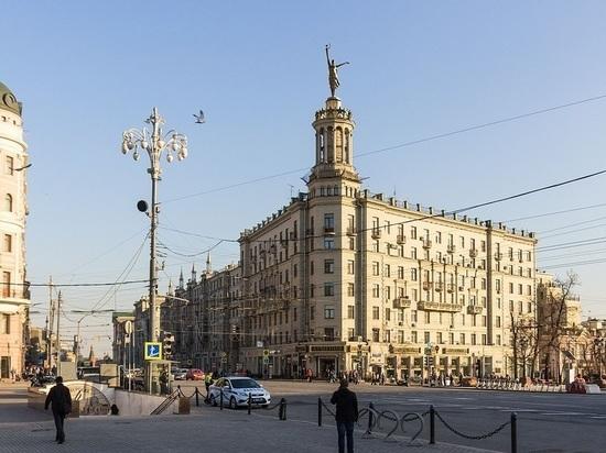 Тверскую решили накрыть юбкой: за Навальным присмотрит балерина