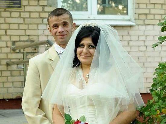 Бездомная свадьба Асият: необычная история одной уличной любви