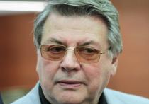 Таганский суд Москвы признал, что в мемуарах популярнейшего артиста, художественного руководителя Московского академического театра сатиры Александра Ширвиндта присутствует плагиат одного из стихотворений, посвященных супруге